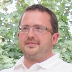 Facharzt für Mund-,Kiefer-, Gesichtschirurgie geboren 1975 in Berlin verheiratet, 2 Kinder